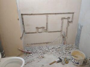 штробление стени под канализацию 2